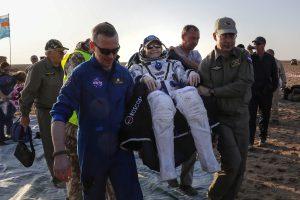 JAV kosmoso čempionė P. Whitson grįžo į Žemę, nebuvusi joje iš viso 665 paras