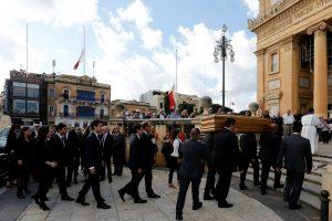 Maltoje laidojama nužudyta žurnalistė