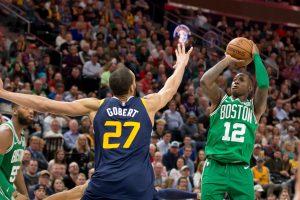 NBA naktis: pergalingas J. Browno dūris ir neeilinis L. Jameso pasiekimas