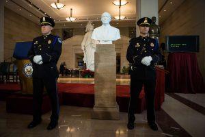 JAV Kapitolijuje atidengtas buvusio viceprezidento biustas
