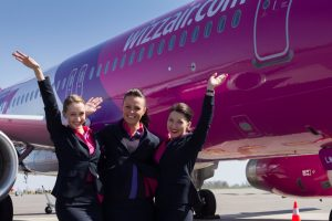 """""""Wizz Air"""" ieško naujų darbuotojų"""