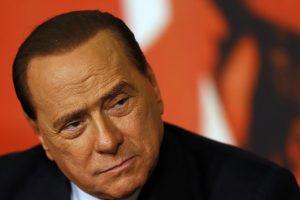 S. Berlusconi pakartotinai išteisintas byloje dėl santykių su nepilnamete