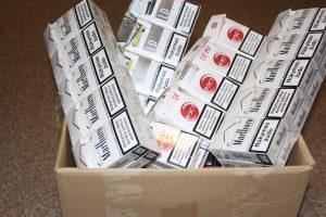 Sulaikyta kontrabanda: tūkstantis litrų degtinės ir 2 tūkst. pakelių cigarečių