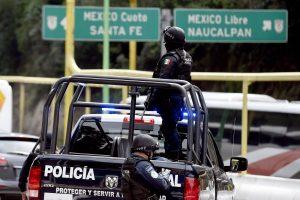 Meksikoje per užsienio turistų autobuso avariją žuvo mažiausiai 12 žmonių