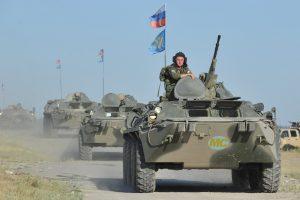 Sankcijos privertė Rusiją apkarpyti išlaidas gynybai