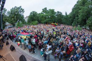Klaipėdiečiai kartu su viso pasaulio lietuviais giedojo Lietuvos himną
