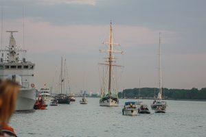 Laivų parado kulminacija – vilkikų šėlsmas ir šviesų fiesta mariose