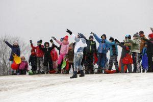 Šaltis sužlugdė sniego gniūžčių karą
