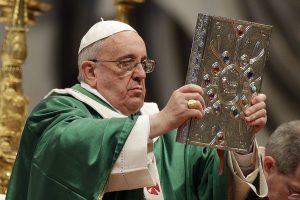 Popiežius įkūrė Vatikano finansų ministeriją