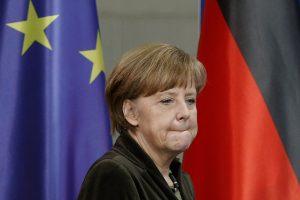 ES gali paskelbti ekonomines sankcijas Rusijai, sako Vokietijos lyderė