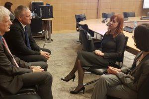 EBPO atstovas: Lietuvos mokiniai brangiai moka už ilgas atostogas