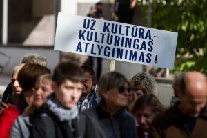 Prie Seimo protesto akciją rengia ir aktoriai: mes – ne tuščia  vieta