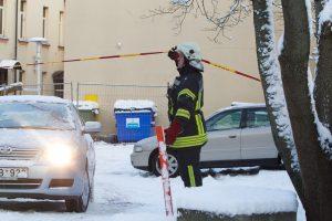 Sulėkė tarnybos: valydamas palėpę darbuotojas rado sprogmenį