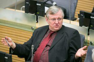 Prezidiumas nurodė Seimo konservatoriams nepalaikyti M. Puidoko pataisų