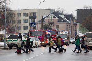 Vėl aliarmas Vilniaus gimnazijoje: rastas antras sprogmuo