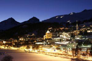 Šveicarijos Alpių viešbutyje per gaisrą sužeista 13 žmonių