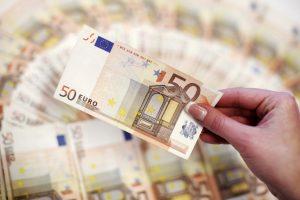 Pranešėjai apie konkurencijos pažeidimus galės gauti iki 100 tūkst. eurų