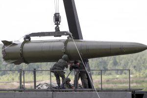 """Rusija kol kas neplanuoja perduoti Baltarusijai """"Iskander"""" kompleksų"""