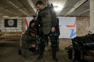 Rusai kuria egzoskeletą, leisiantį kariui pakelti iki 100 kg