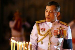 Tailando vyriausybė atvėrė kelią naujo karaliaus įžengimui į sostą