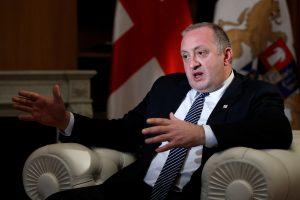 Tbilisyje neaiškiomis aplinkybėmis pašautas Gruzijos prezidento žentas