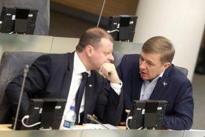 Klausimai premjerui dėl R. Karbauskio trąšų verslo Seime sukėlė chaosą