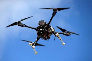 Dėl šnipinėjimo grėsmės kariškiams suteikiama teisė numušti nepageidaujamus dronus