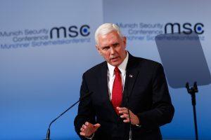 JAV viceprezidentas perdavė Europai D. Trumpo žinią dėl NATO