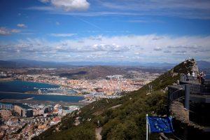 Britai neatiduos Gibraltaro, bet Ispanija sienos neuždarys