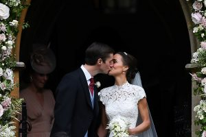 Kembridžo kunigaikštienės sesuo Pippa ištekėjo už milijonieriaus