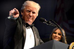 """D. Trumpas žada padaryti viską, kad apsaugotų JAV nuo """"bjauraus priešo"""""""