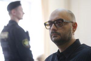 Europarlamentarai reikalauja panaikinti kaltinimus rusų režisieriui