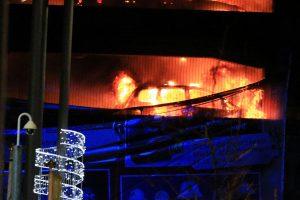 Liverpulyje ugnis sunaikino 1 400 mašinų stovėjimo aikštelėje