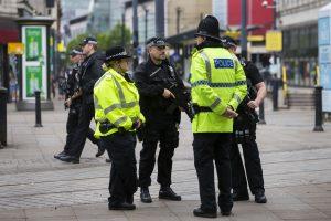 """Britų privalumas kovojant su """"Islamo valstybe"""" – griežta ginklų kontrolė šalyje"""