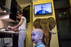 """""""Init"""" gresia didžiulė bauda už neteisėtą rusiško kanalo transliaciją"""
