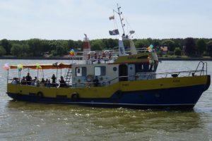 Nelaimė prie delfinariumo: laivui atsitrenkus į krantinę, sužeisti keleiviai