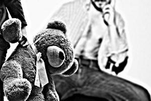 Vilnietis verslininkas įtariamas seksualiai išnaudojęs devynias paaugles