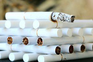 Kontrabandinės cigaretės Lietuvoje užima beveik penktadalį rinkos