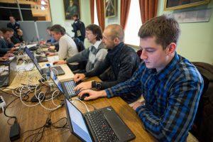 Kibernetinio saugumo pratybose dalyvaus 200 žmonių