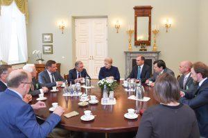 Prezidentūroje – posėdis dėl situacijos NATO ir ES