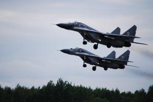 NATO naikintuvai tik kartą lydėjo du Rusijos karo orlaivius