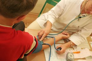 Rugsėjį gydytojai laukia itin didelio vaikų srauto