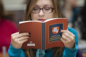 Konstitucijos egzaminas – unikalus dalykas, kurio nėra daugelyje šalių