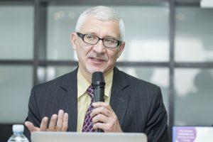 B. Gruževskis: neturintys darbo stažo bazinei pensijai, jį galėtų nusipirkti