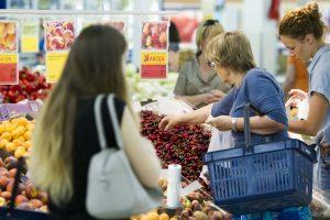 Palygino: pigiausių produktų krepšelio kaina pakilo apie 10 proc.