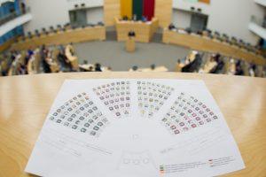Į laisvą Seimo nario kėdę – kol kas septyni pretendentai