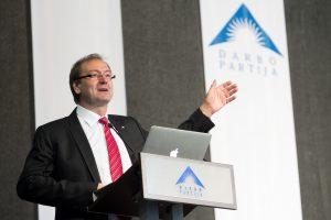 V. Uspaskichas patvirtino: vėl nori vadovauti Darbo partijai