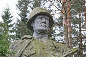 Sustabdyta iniciatyva dėl aiškinamųjų lentelių prie sovietinių paminklų