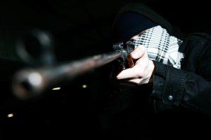 Iš degalinės vyras pagrobė 500 eurų
