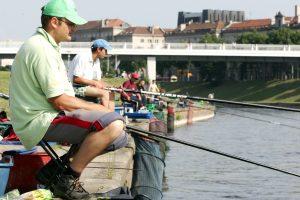 Žvejai: leidimai nemokamai žvejoti per šventes turi ir privalumų, ir trūkumų